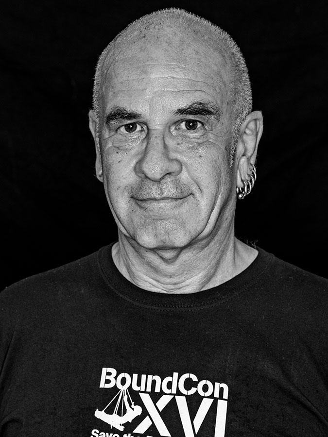 Matthias T. J. Grimme. – Bondage-Lehrer und SM-Allrounder Faces of St. Pauli - eine Portrait-Reihe in Schwarz-Weiss