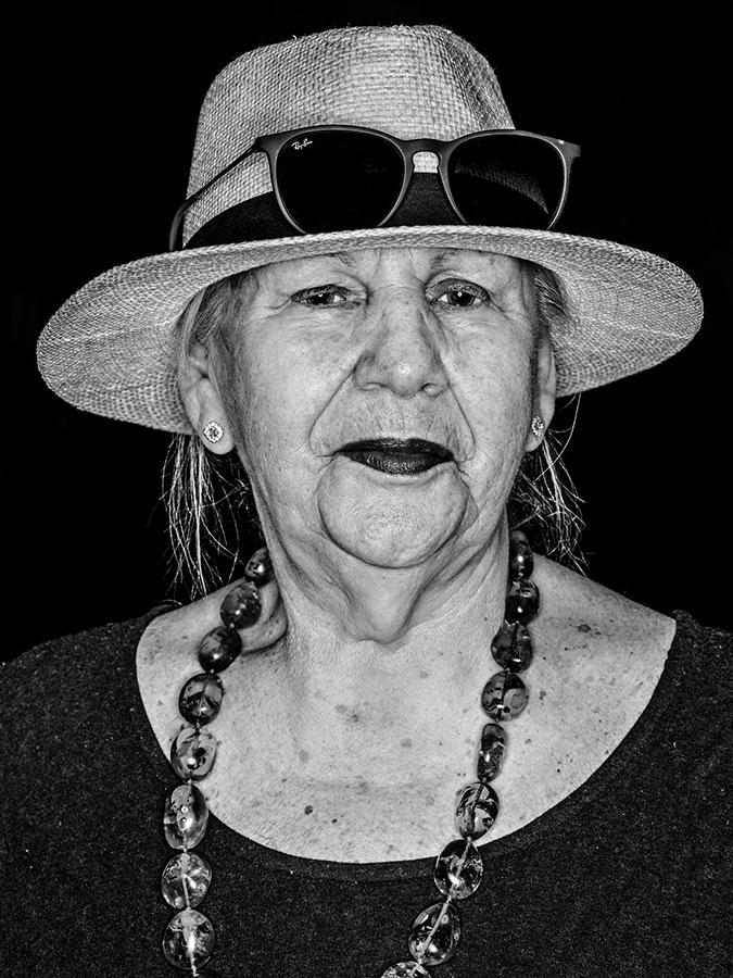Rosi McGinnity – Bar Ikone Faces of St. Pauli - eine Portrait-Reihe in Schwarz-Weiss